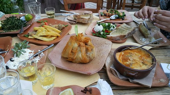 Kaliviani, Grecia: 20160824_193417_large.jpg