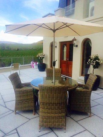 Newry, UK: Balcony/drinks area
