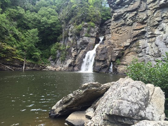 Linville Falls, Carolina del Norte: View from the bottom of the falls