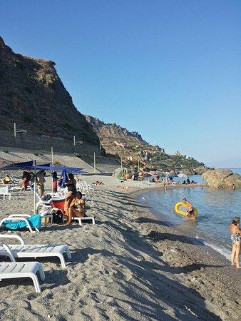 Spiaggia di Mazzeo: 20160820_172921_Richtone(HDR)_large.jpg