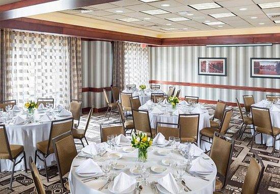 Natick, MA: Meeting Room - Social Setup