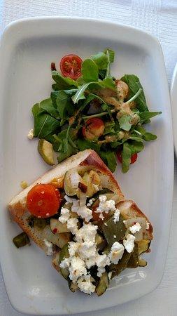 Boulders Beach Lodge and Restaurant: Veg open sandwich