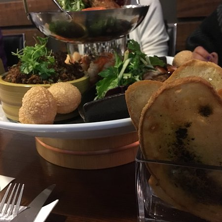 Henderson, New Zealand: Chikos Restaurant and Cafe