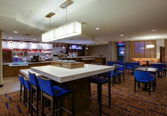 Farmingdale, État de New York : The Bistro – Dining Area