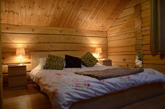 Dwr Y Felin Log Cabins