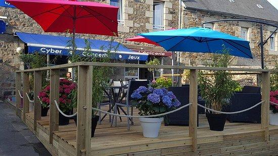 Kerbors, France : La terrasse