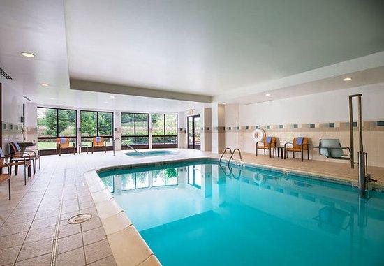 Ewing, NJ: Indoor Pool