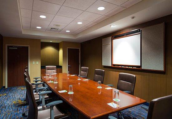 Ewing, NJ: Wynwood Boardroom