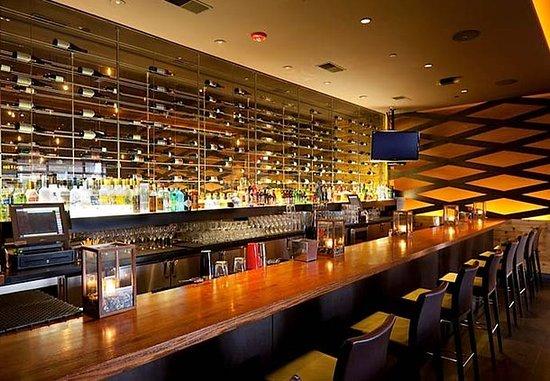 Montvale, NJ: Fire & Oak Bar