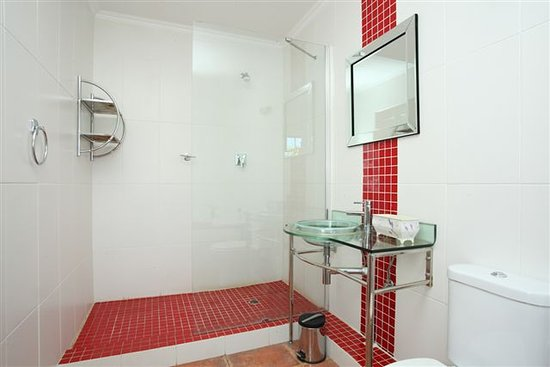 Ikhaya Guest House : Bathroom 7