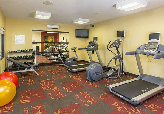 Akron, OH : Fitness Center