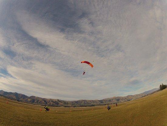 Wanaka, New Zealand: skydiving