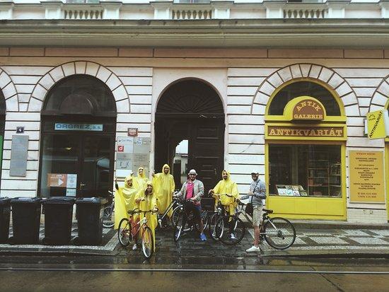Vintage Bikes & City Tours