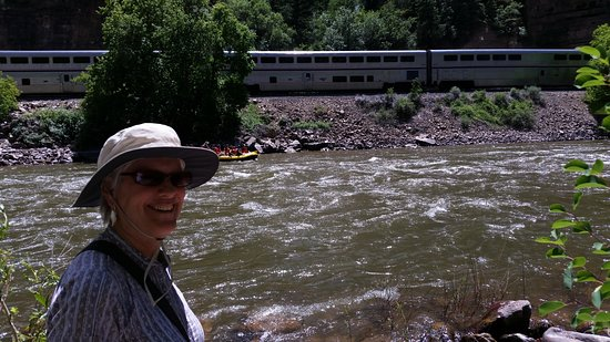 Glenwood Canyon: Great views from the riverside--the river, rafters, the train