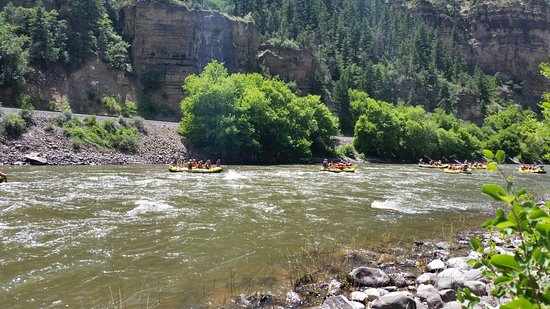 Glenwood Canyon: Rafters, rafters, rafters