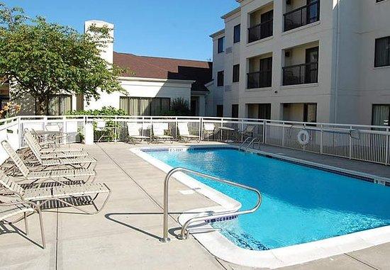 Orange, Κονέκτικατ: Outdoor Pool