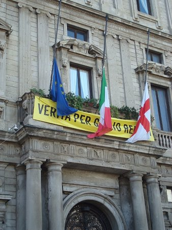 Bandiere a mezz'asta per le vittime del terremoto