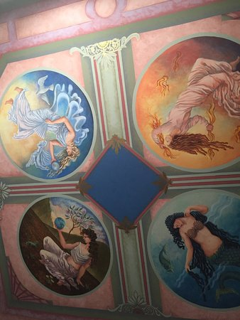 Geiger Victorian Bed & Breakfast: Ceiling in Virgina Mason room