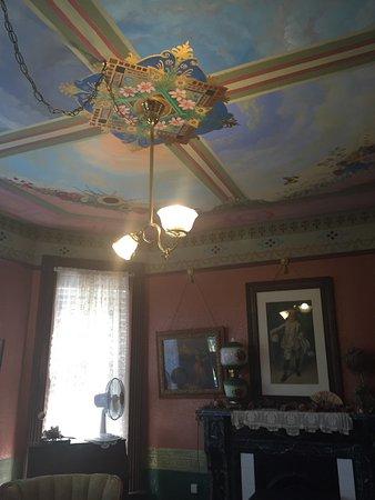 Geiger Victorian Bed & Breakfast : Virginia Mason room