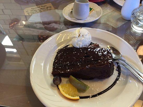 Mold, UK: hot fudge cake and ice cream
