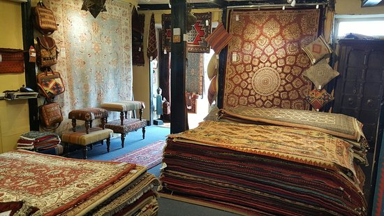 Olney, UK: More than 6000 rugs to choose from!!