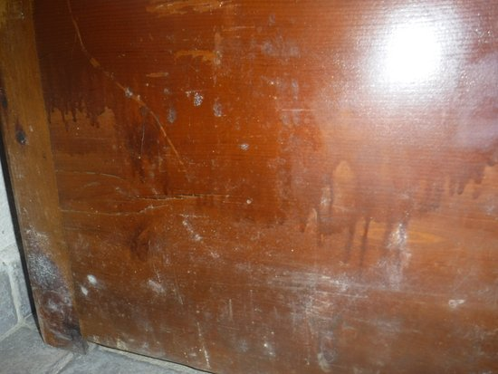 Seyir Village Hotel: White mould on the bed, from the frame having water damage at some point - the smell was horrend