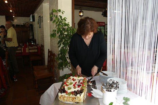 Hainaut Province, België: Délicieux gateau d'anniversaire