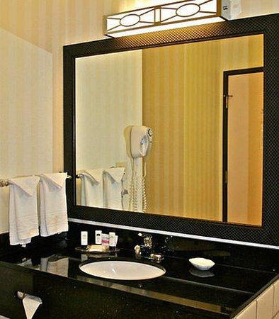 Hays, Κάνσας: Guest Bathroom