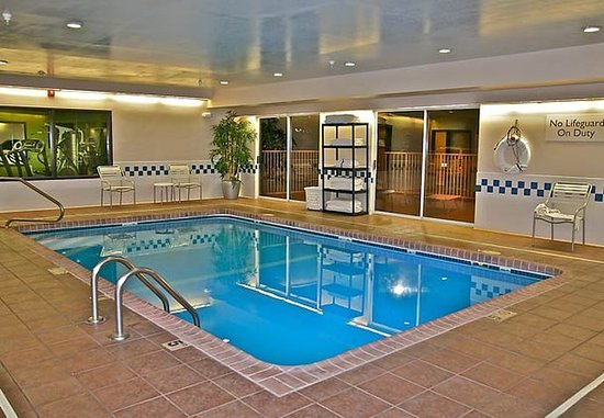Hays, KS: Indoor Pool