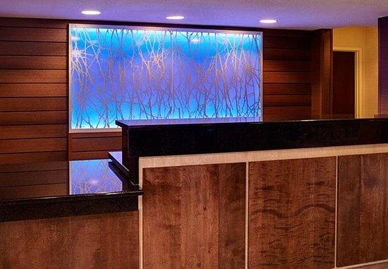 Fairfield Inn & Suites Frankenmuth: Front Desk