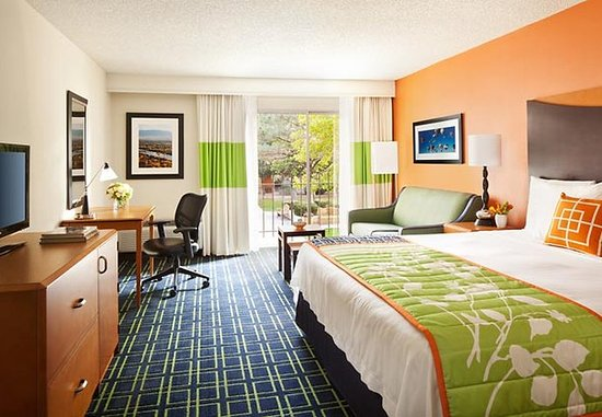 Fairfield Inn Albuquerque University Area: King Guest Room
