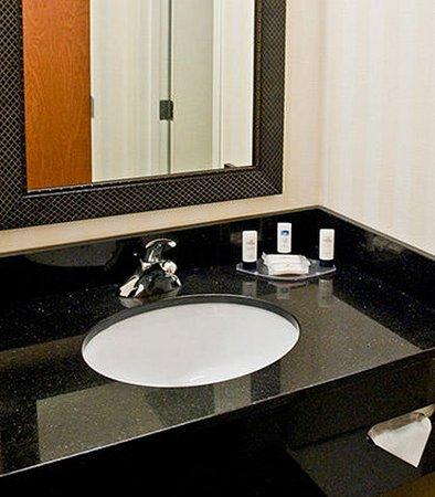 เรซีน, วิสคอนซิน: Guest Bathroom