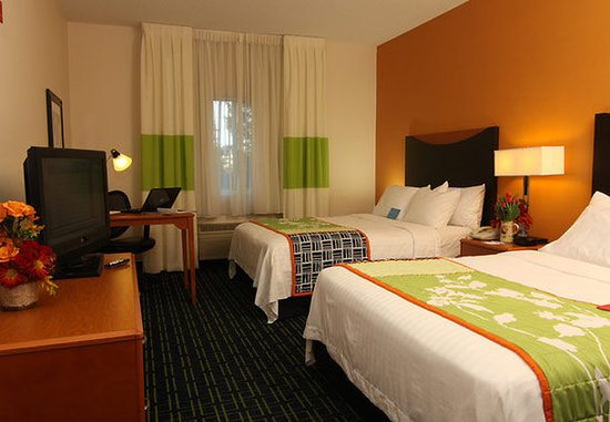 Saint Cloud, MN: Queen/Queen Guest Room