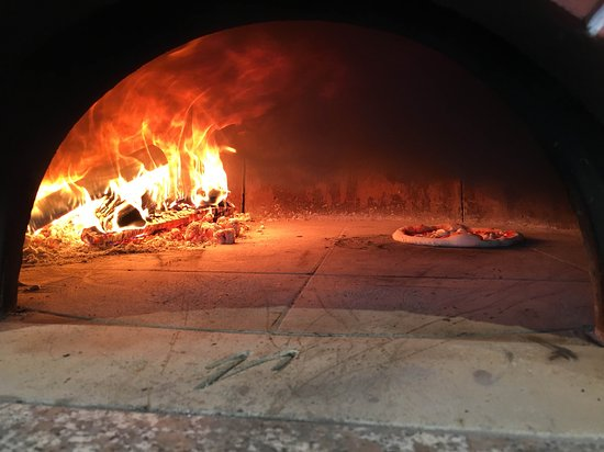 Greater London, UK: Pizza in the oven