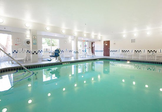 Tracy, Californië: Indoor Pool