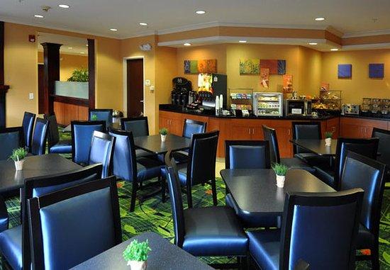 Loveland, CO: Breakfast Area