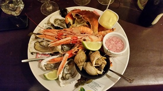 Saint-Cast le Guildo, France : L'assiette de fruits de mer qui coûte 26 euros