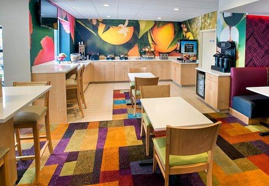 Astoria, estado de Nueva York: Breakfast Dining Area