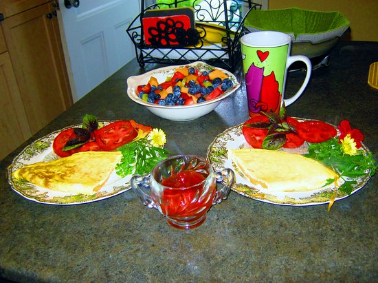 Carusos On King Bed and Breakfast & Serenity Spa: Yummy Breakfasts
