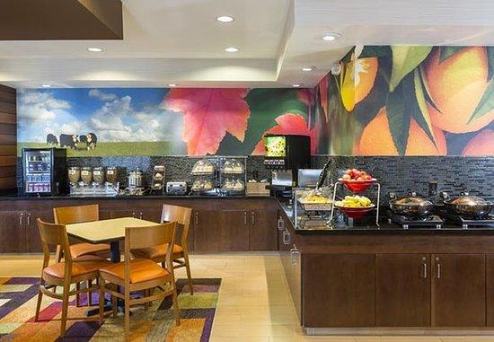 Muncie, IN: Breakfast Buffet