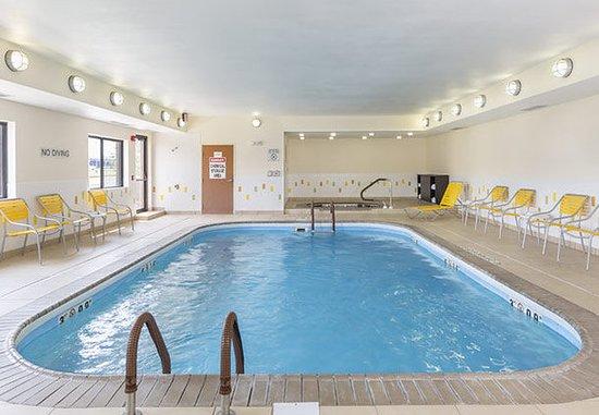 Muncie, IN: Indoor Pool & Whirlpool
