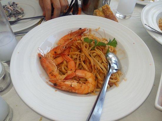 Kini, Griechenland: σπαγγέτι με γαρίδες