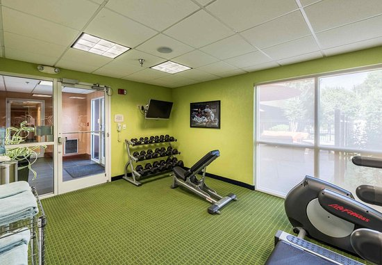 Fairfield Inn Asheville Airport: Fitness Center - Free Weights