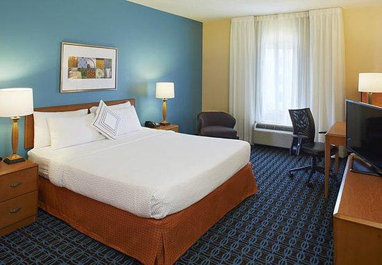 Lithonia, GA: King Guest Room