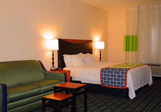 Fairfield Inn & Suites Spearfish: King Guest Room