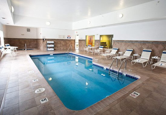Ankeny, IA: Indoor Pool & Spa