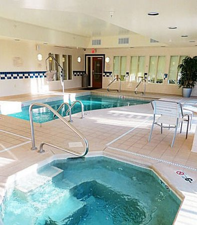 Mount Vernon, IL : Indoor Pool & Whirlpool
