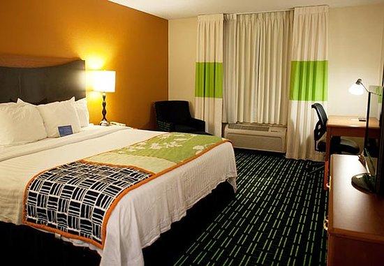 Bourbonnais, IL: King Guest Room