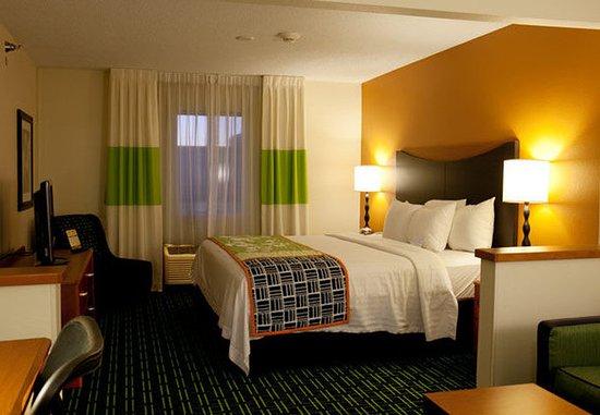 Bourbonnais, IL: Executive King Guest Room