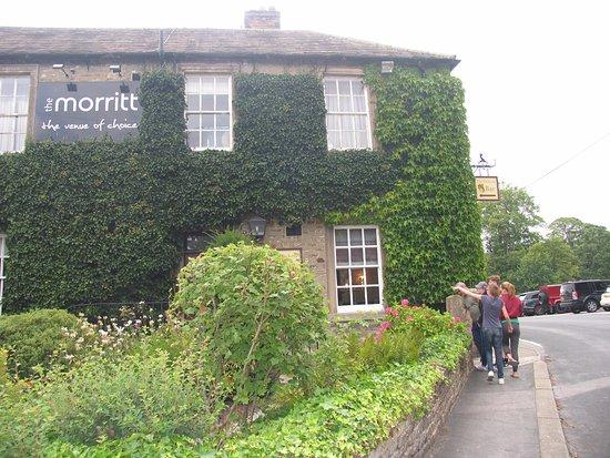 The Dickens Bar, The Morrit